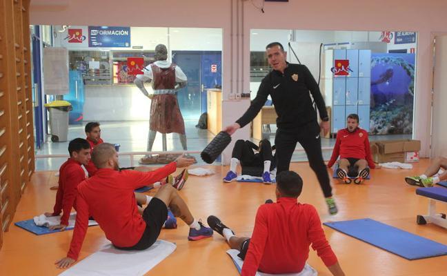 El Almería se pone en marcha con un viejo propósito para 2018