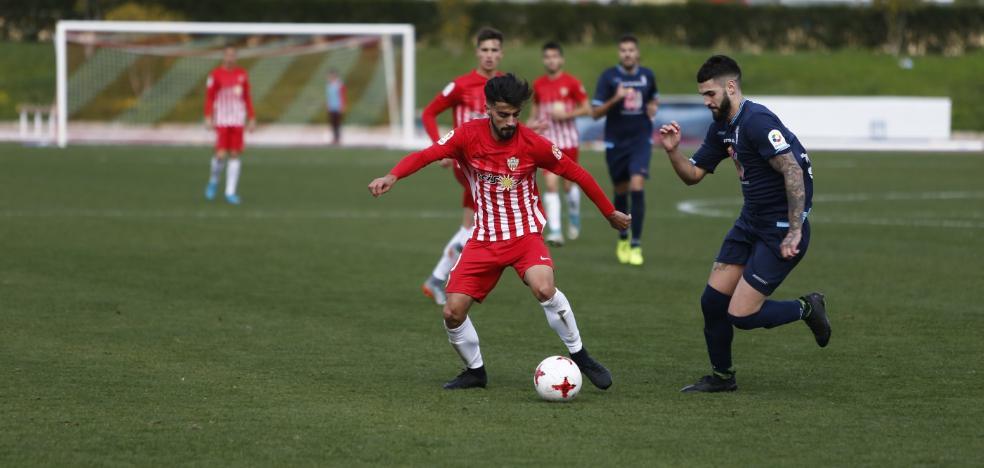 El Almería B gana porque lo busca