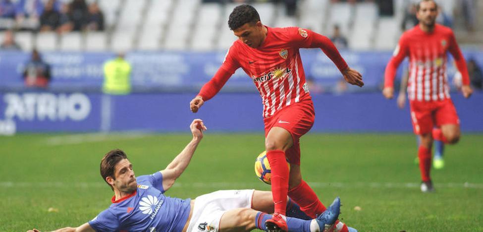 Al Almería le falta el otro fútbol en el Carlos Tartiere