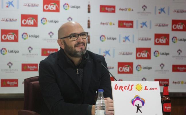 Alfonso García: «Si siguen llegando jugadores, es bastante probable que haya una salida»