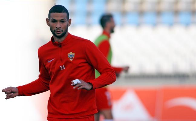 Joaquín: «Disfruto marcando a los mejores delanteros y Quique González lo es»