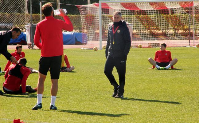 Lucas Alcaraz pide un notable alto a sus jugadores si quieren imponerse a Osasuna