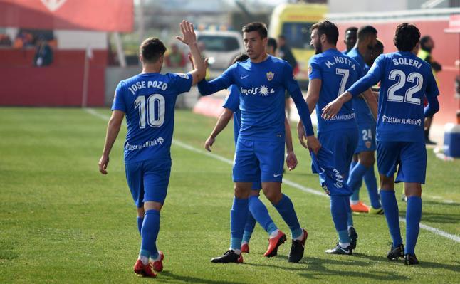 El mejor partido de la UDA da la victoria más amplia en Sevilla