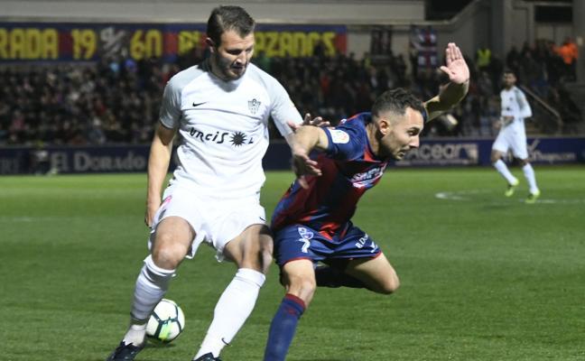 La UD Almería fue más 'vivo' que la SD Huesca en opinión de la prensa