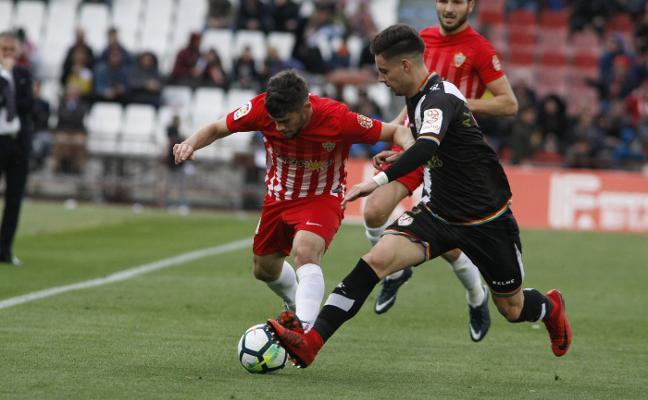 Reflejos en la prensa del 'pescaíto' de Gabriel y el querer sin gol del Almería