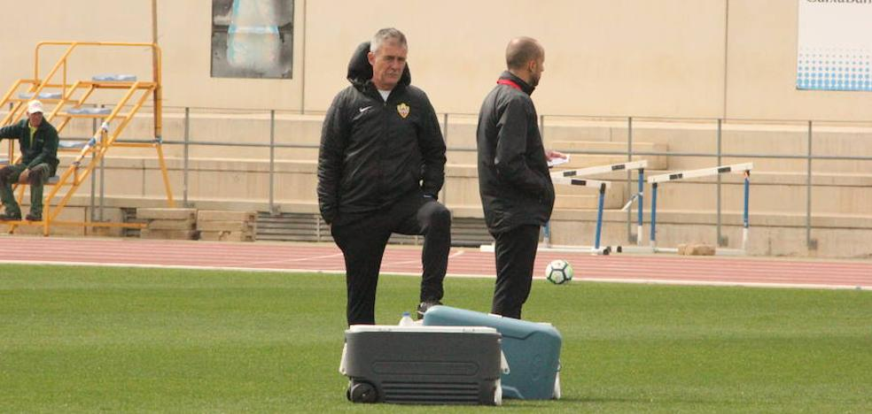 """Alcaraz piensa que en Valladolid el Almería deberá """"ser intenso en defensa y atrevido en ataque"""""""