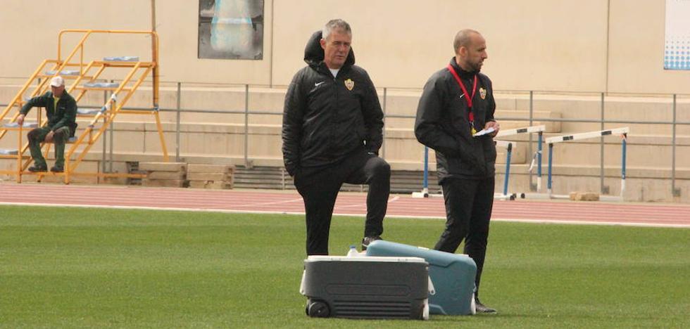 Alcaraz pide un Almería que sólo piense en el duelo ante el Sporting
