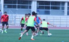 Morcillo y Tino Costa aparecen en la sesión de trabajo del Almería