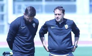 Fran Fernández: «Los jugadores del Almería tienen muchísimas ganas de que llegue el domingo»