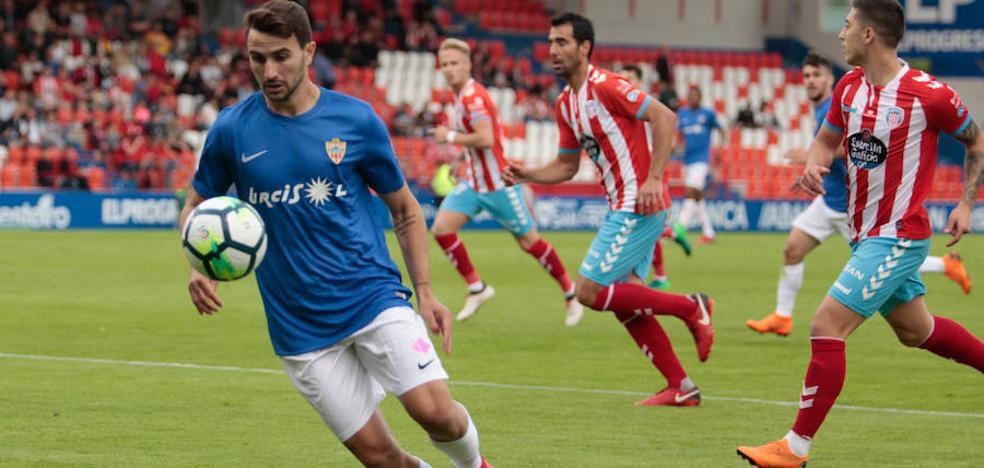 El Almería, el mejor de los peores, se salva con un empate en Lugo