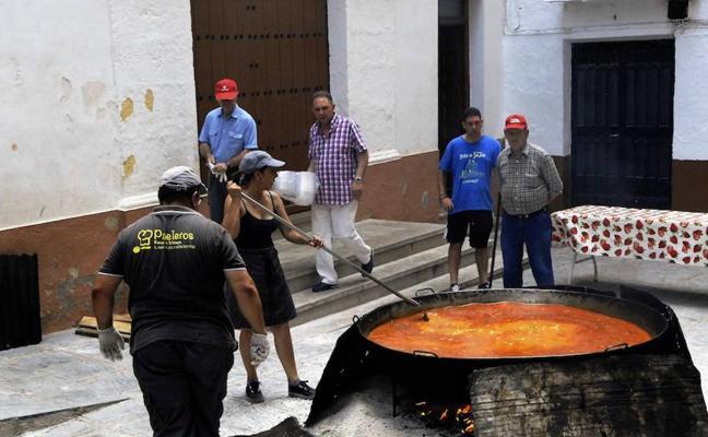 Los vecinos de Lanjarón montan 18 altares en las calles para la procesión del Corpus