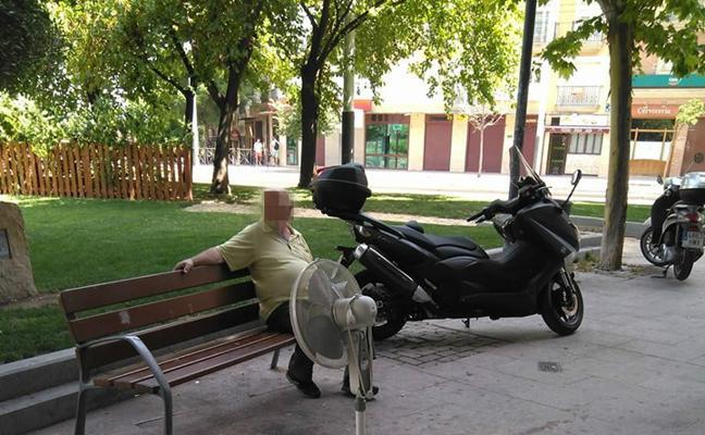 La 'solución improvisada' al infernal calor en Jaén