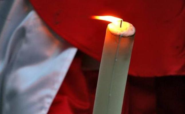 Levantan, provisionalmente, la prohibición de encender velas durante las procesiones