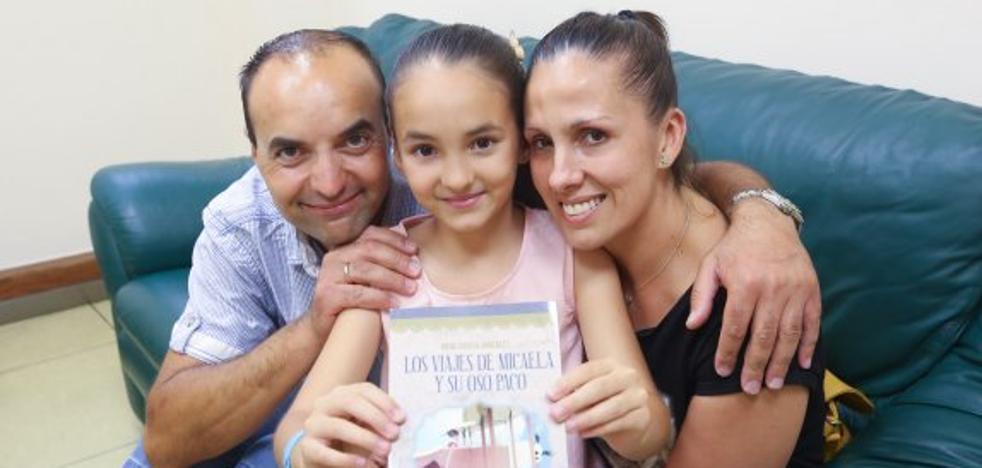 Irene García publica su primera novela con tan sólo 10 años