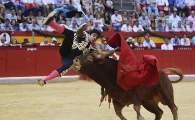 ... Y el toro lo descompone