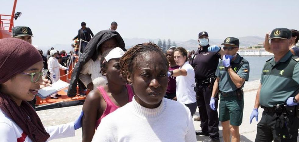 Más de doscientos inmigrantes llegan a las costas españolas en seis pateras