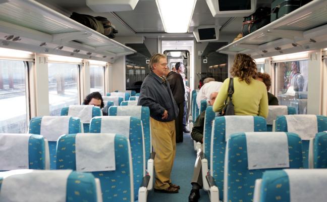 El Gobierno pondrá en marcha los nuevos trenes adaptados para enlazar con Madrid