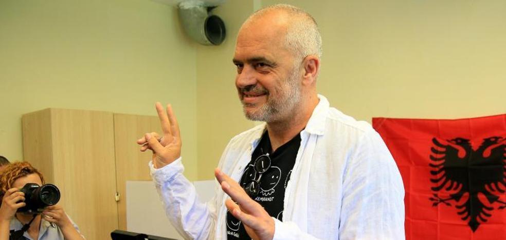 Los socialistas albaneses ganan las legislativas y se acercan a la mayoría absoluta