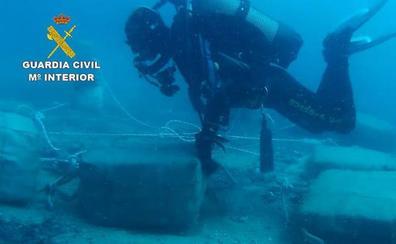 Tratan de meter en Almería 900 kilos de hachís en barcos de recreo
