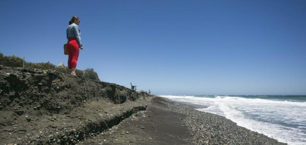 Otro temporal se come las regeneraciones en las playas a las puertas del mes de julio