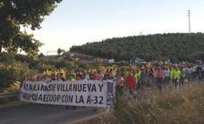 Cientos de personas cortan la carretera para exigir la finalización de la A-32