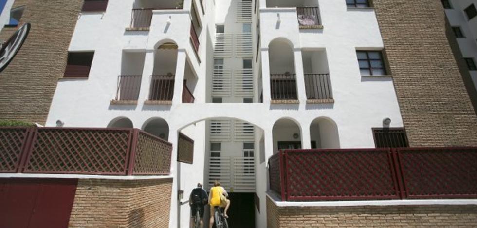 La oferta de alquiler 'legal' en la Costa baja un 60% por la obligación de regularizar las casas