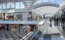 ¿Qué centros comerciales abren este domingo en Granada?