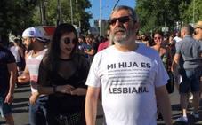 La camiseta que arrasa en Internet: «si solamente ves que es lesbiana tienes un problema»