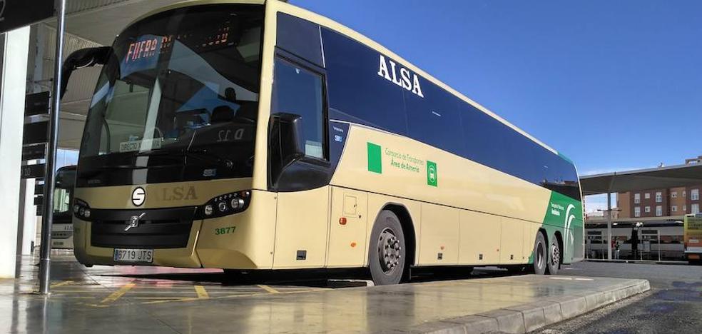 El Consorcio de Transportes aumenta los servicios a Roquetas, Cabo de Gata y Gádor