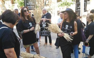 Funeral por la muerte de la Agricultura en Granada