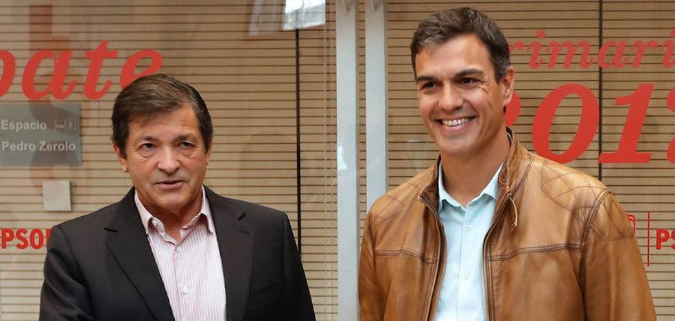 Pedro Sánchez releva a Javier Fernández en la Internacional Socialista