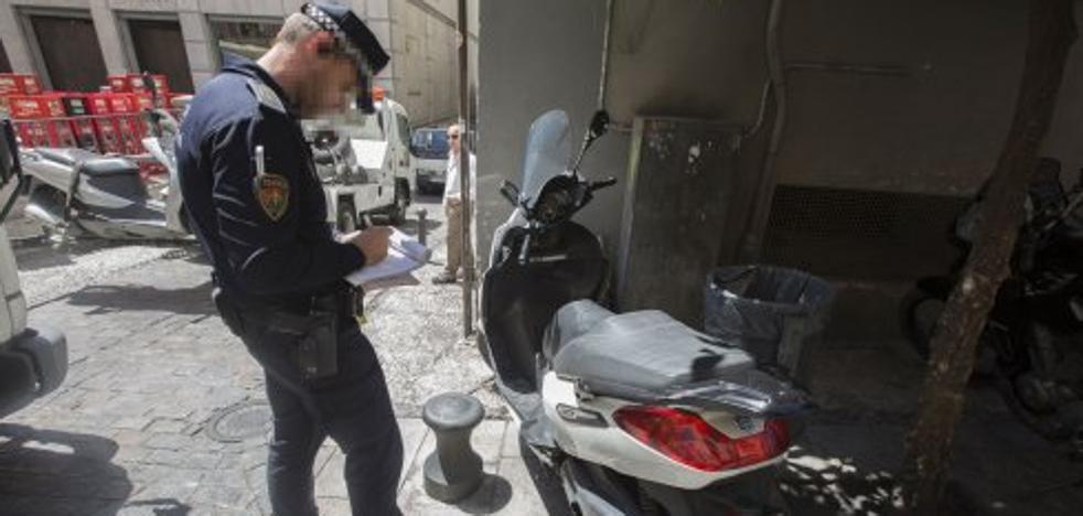 Granada perdió casi la mitad de las multas de tráfico de la Policía Local porque no las tramitó