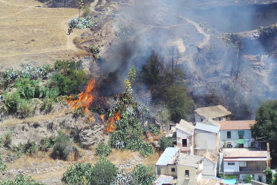 Espectaculares imágenes del fuego en Granada