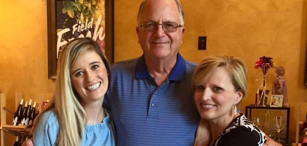 Se reencuentra gracias a Facebook con el enfermero que le salvó la vida cuando era niña