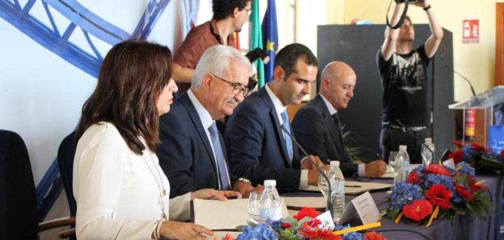 La Junta se une al 'Puerto-Ciudad', el plan que pretende instalar a Almería en el «siglo XXI»