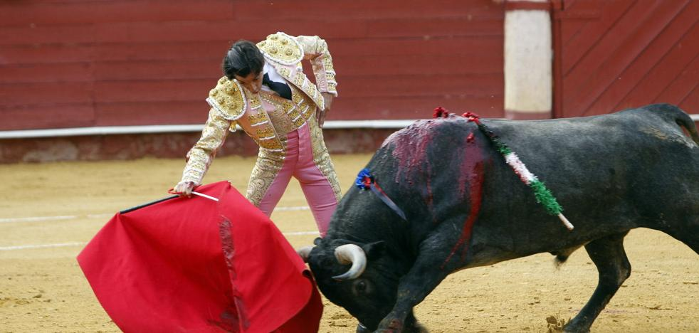 Curro Díaz cae herido grave en Manzanares