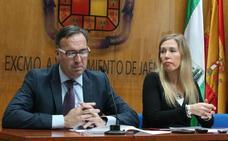 Un concejal acusa al alcalde de «pagar favores» a Salud Anguita