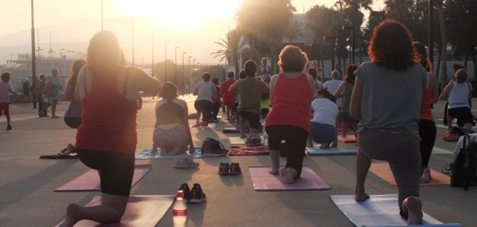 Sesión de yoga para relajar y empatizar con la 'mente'
