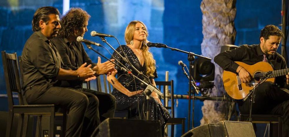 Rocío Márquez conquista el Festival de Flamenco con su cante exquisito