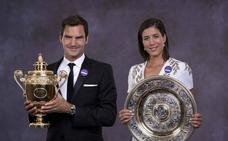 Federer 'brinda' por su octavo Wimbledon y se despierta con resaca