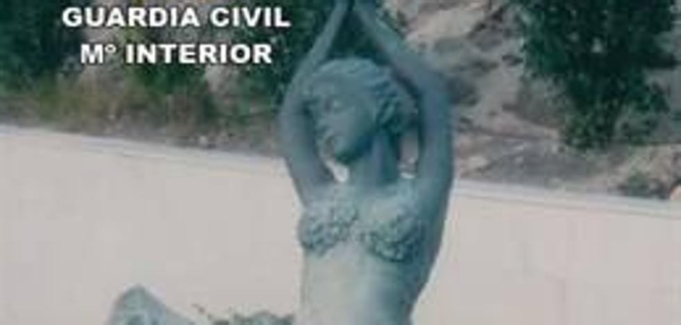 Detenido acusado de robar dos estatuas de bronce de 100 kilos de peso de una finca en Vícar
