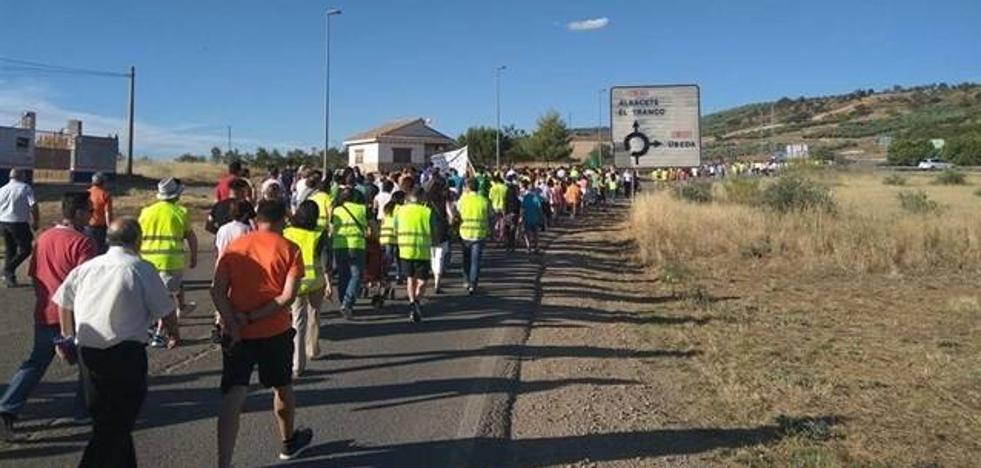 Sanción de mil euros a la Plataforma por la A-32 por ocupar la calzada en su protesta