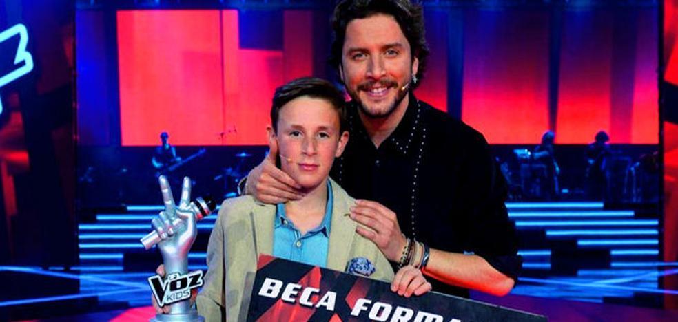 El gran estirón del ganador de La Voz Kids 2, que triunfa con su nueva canción