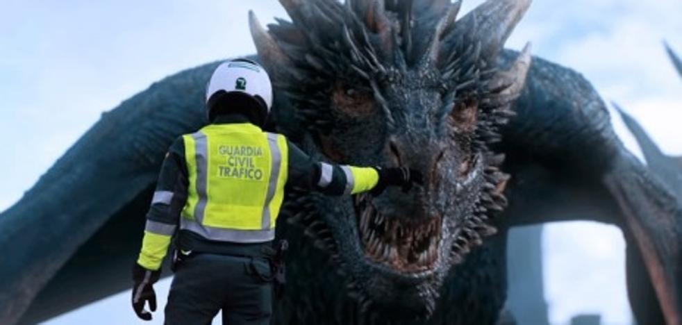 El mensaje de la Guardia Civil a Daenerys, de 'Juego de Tronos', que arrasa en Twitter
