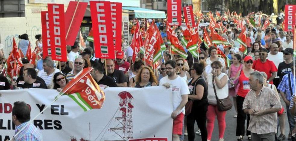 Miles de personas piden soluciones urgentes al desempleo de Linares y su comarca