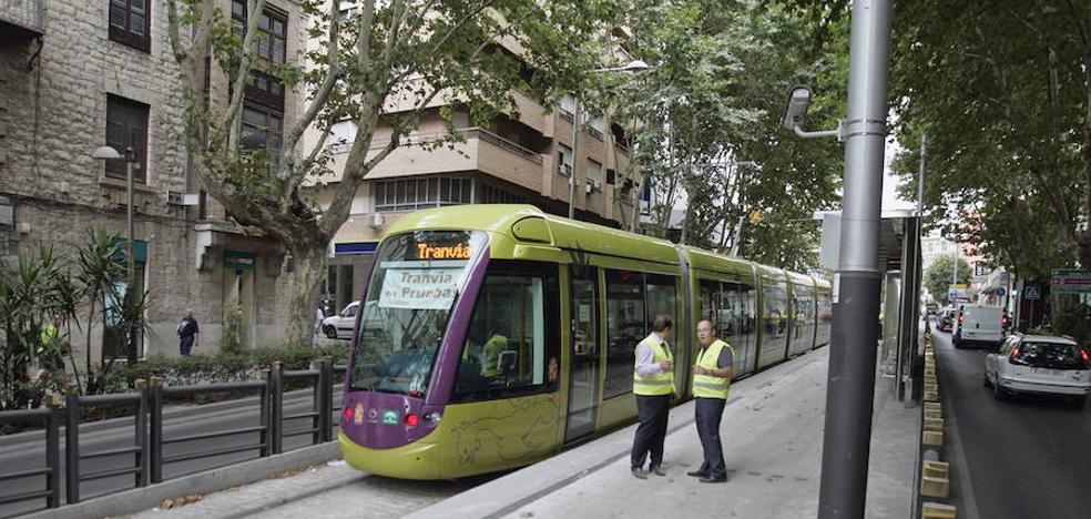 El alcalde de Jaén vuelve a pedir que el tranvía tenga el mismo apoyo desde la Junta que el metro de Málaga y Sevilla