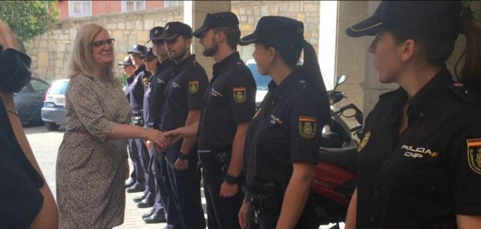 La Policía recibe 10 agentes en prácticas sin noticias de 15 refuerzos prometidos