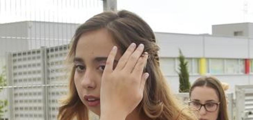 Oleada de insultos en Twitter a la hija de Belén Esteban