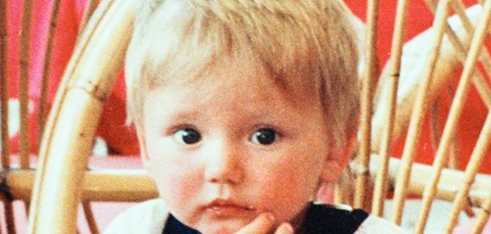 Hallan pruebas que podrían pertenecer a Ben Needham, el niño que desapareció hace 26 años