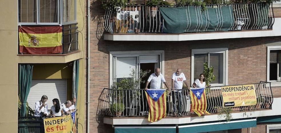 La Cataluña no independentista empieza a salir del armario